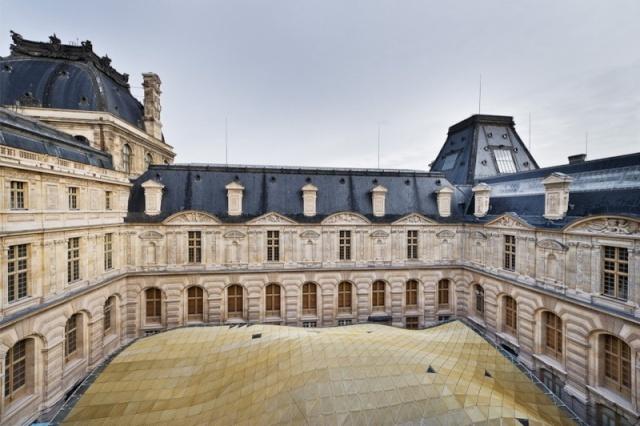 Le Louvre, ses fantômes et ses stars - Page 2 1_1_1347