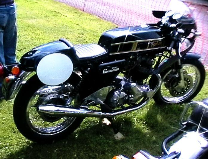 Gus Kuhn Racer Cafe_710