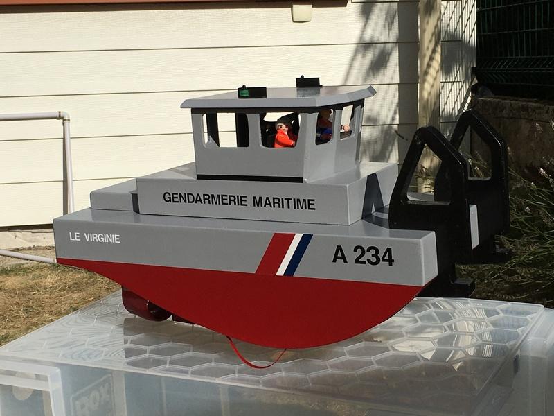 Construction d'un bateau de récupération Img_6110