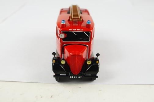 """2011 - Hachette Collections > """"Camions et véhicules de Sapeurs Pompiers au 1/43"""" >> 2014 - Page 2 Big-6011"""