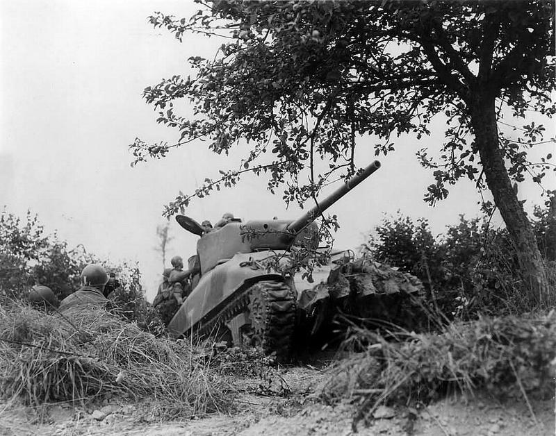 Bataille dans le Bocage Normand - techniques et tactiques Hedger10