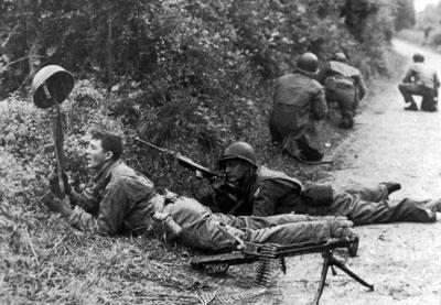 Bataille dans le Bocage Normand - techniques et tactiques Main-q10