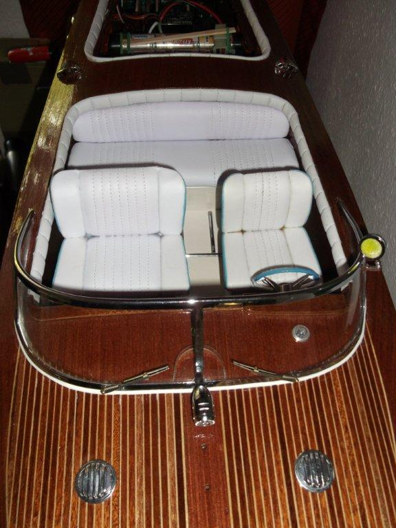 Italienisches Sportboot - Seite 2 Riva_325