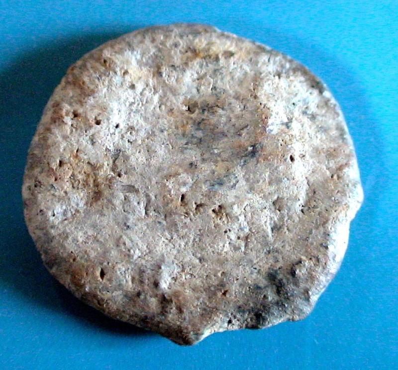 Nettoyage des monnaies romaines .... Dsc07610