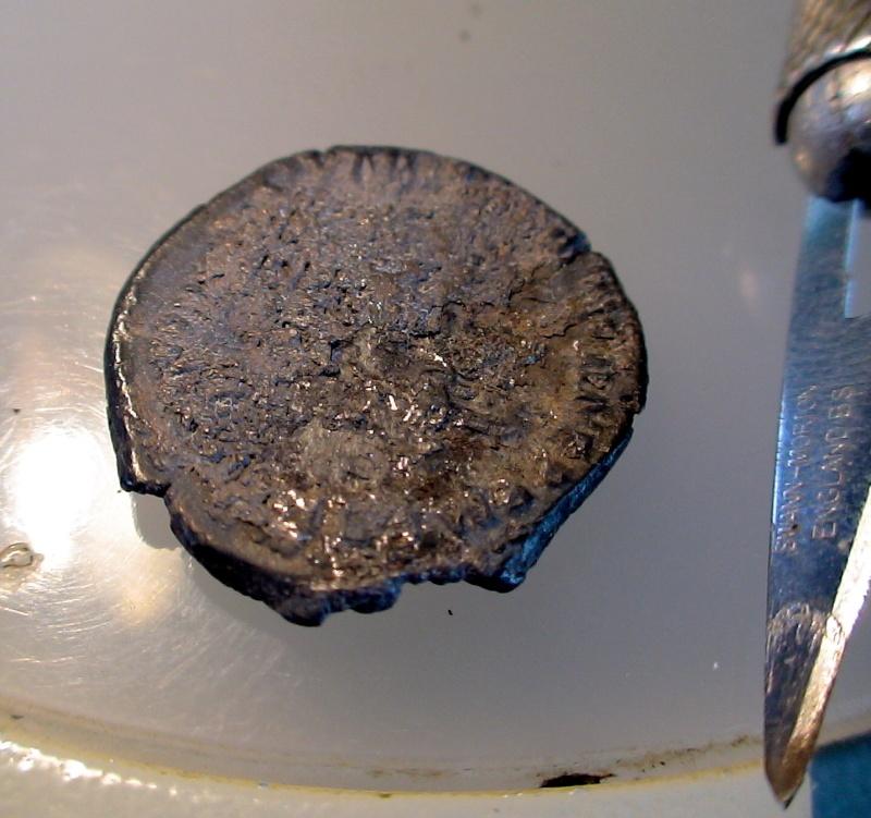 Nettoyage des monnaies romaines .... Dsc07719