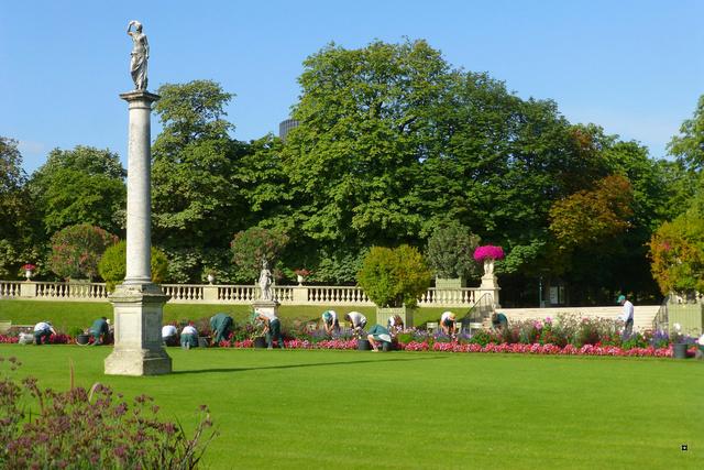 Choses vues dans le jardin du Luxembourg, à Paris - Page 4 Lux_en11