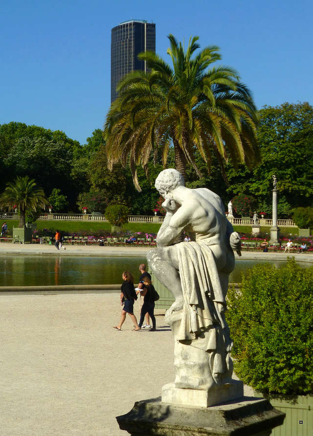 Choses vues dans le jardin du Luxembourg, à Paris - Page 4 Yty_lu10
