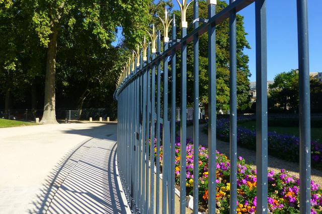 Choses vues dans le jardin du Luxembourg, à Paris - Page 4 Yty_lu13