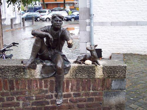 Des statues amusantes ! - Page 38 68601810