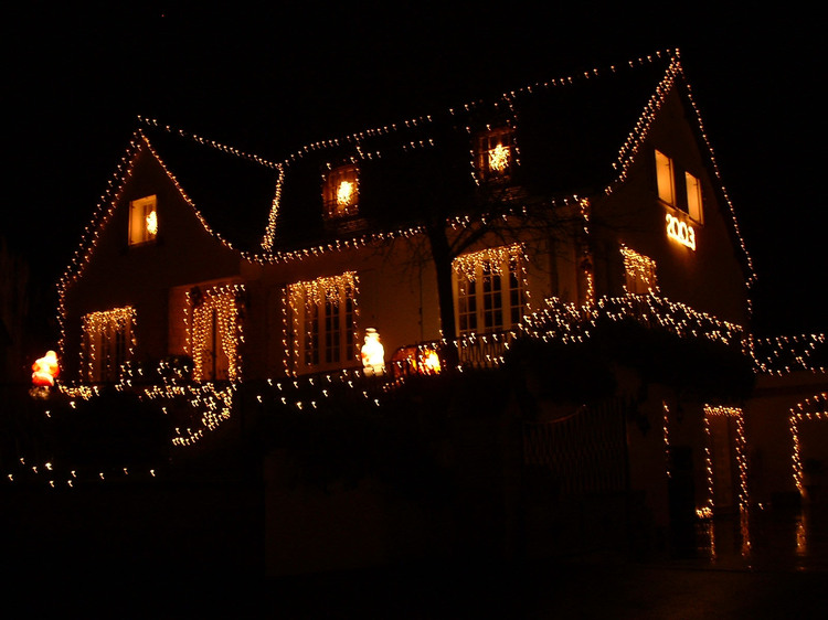 Les illuminations de Noël pour les fêtes 2.015   2.016 ! - Page 9 Illumi16