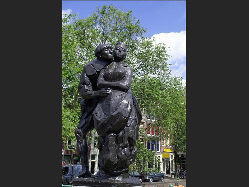 Des statues amusantes ! - Page 38 Operat10