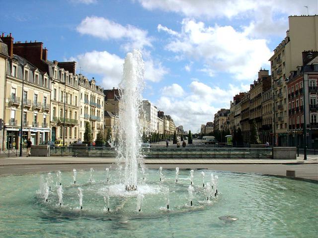 Par ordre alphabétique, des villes et des villages . - Page 9 Rennes10