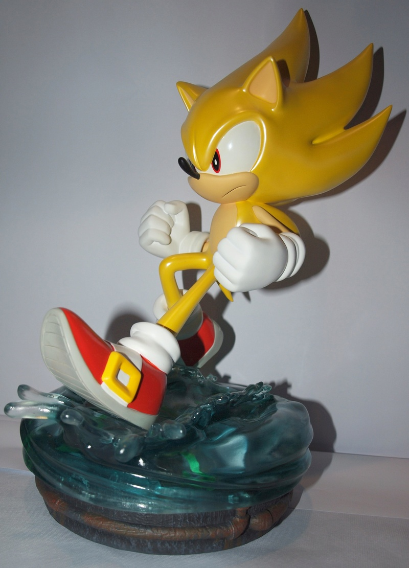 [Présentation] Statuette en Résine Modern Super Sonic Exclusive par First4Figures P8247910