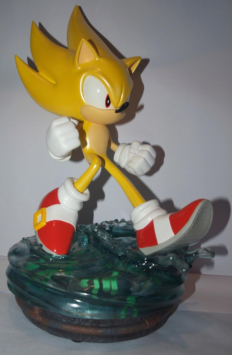 [Présentation] Statuette en Résine Modern Super Sonic Exclusive par First4Figures P8247911
