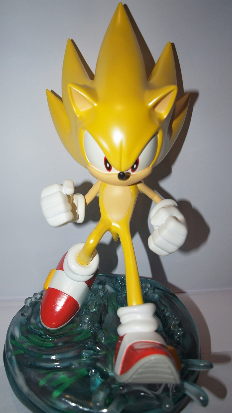 [Présentation] Statuette en Résine Modern Super Sonic Exclusive par First4Figures P8247912