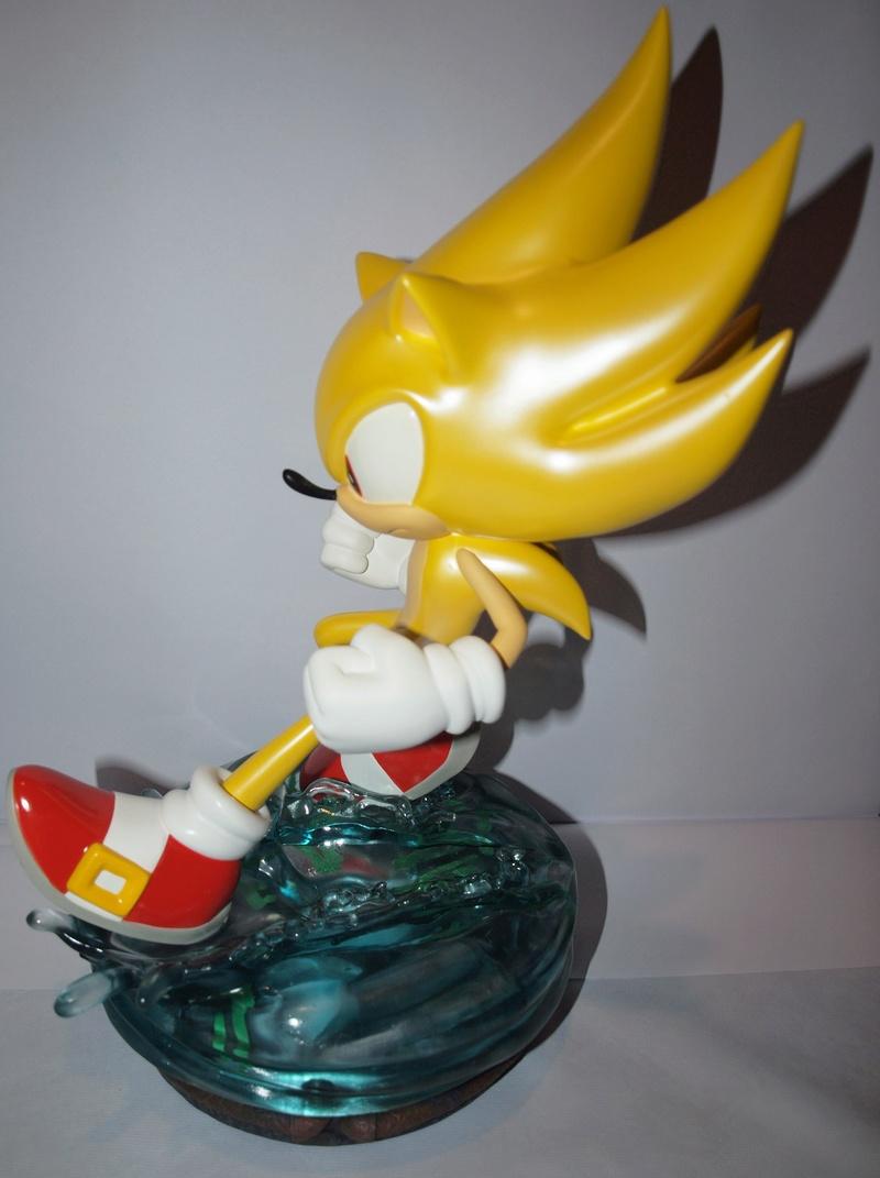 [Présentation] Statuette en Résine Modern Super Sonic Exclusive par First4Figures P8247915