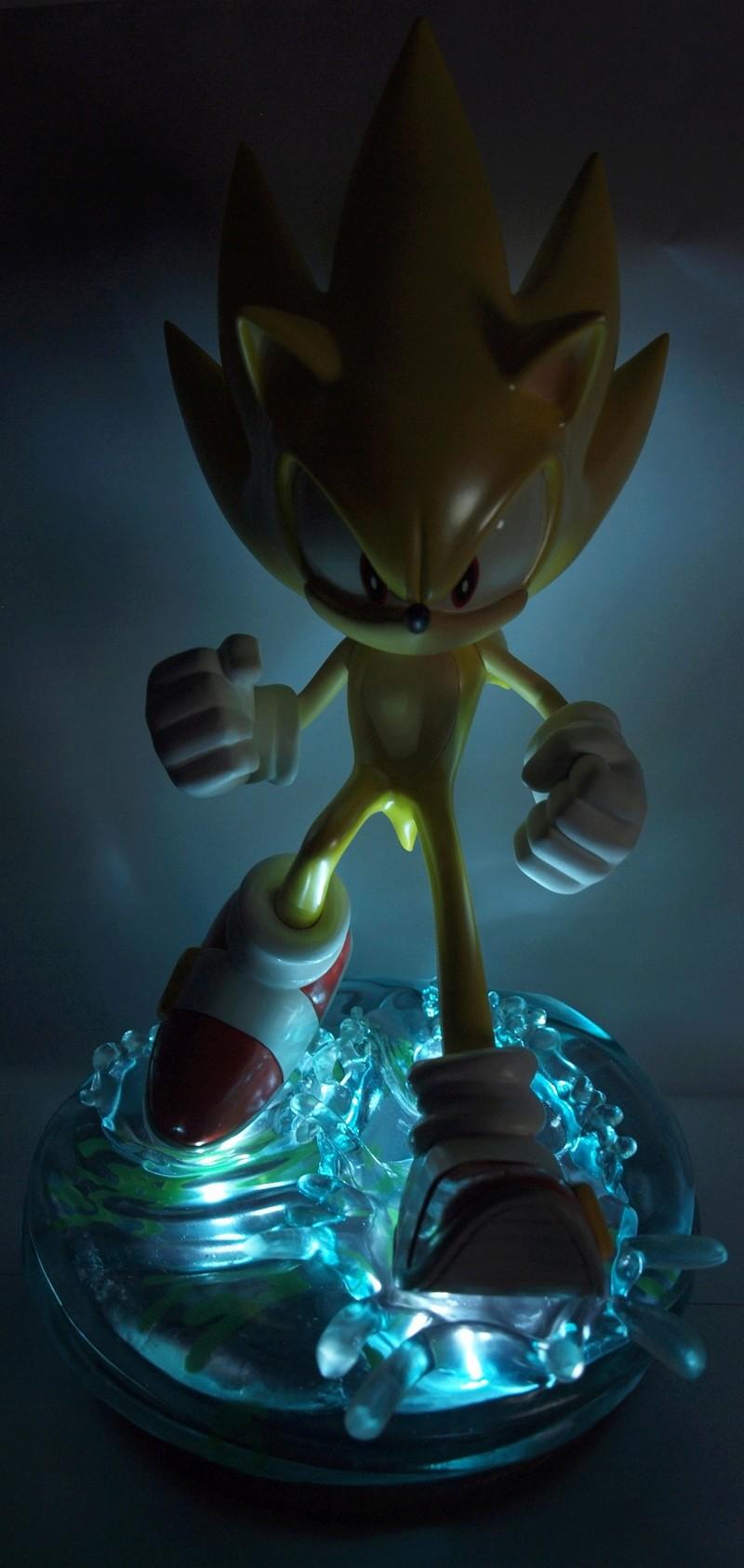 [Présentation] Statuette en Résine Modern Super Sonic Exclusive par First4Figures P8247918