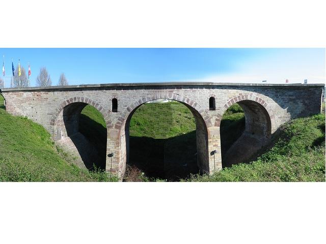 Char Sherman tombé d'un pont à Saverne 67l01n10