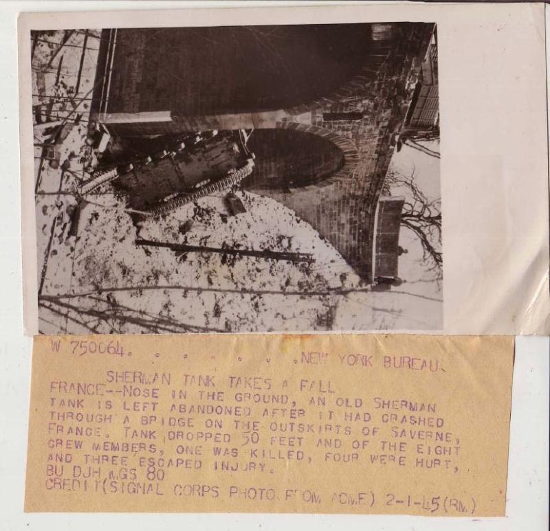 Char Sherman tombé d'un pont à Saverne M32b3_10