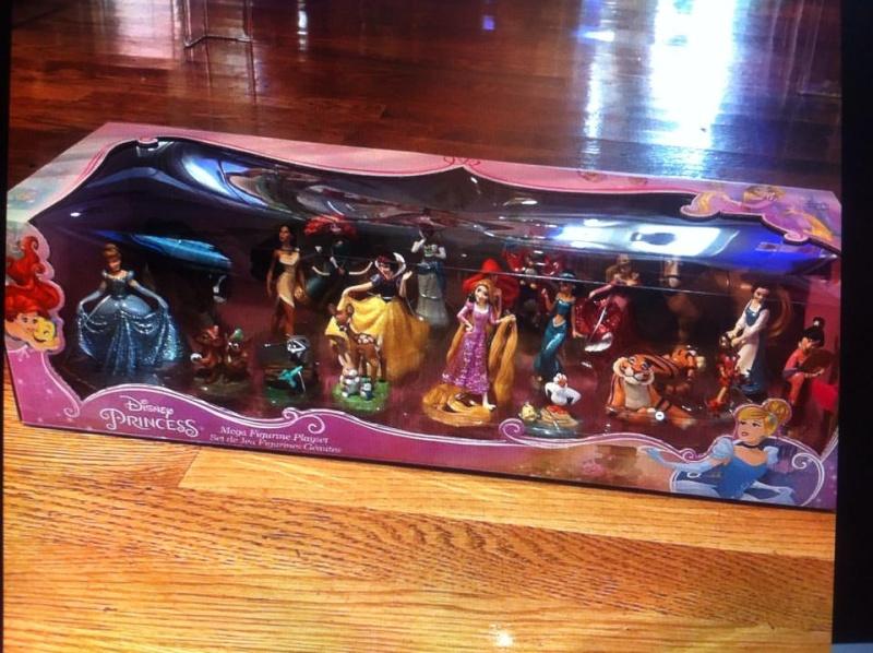 Les Sets de Figurines de Disney Store et Disney Parks - Page 5 13563610