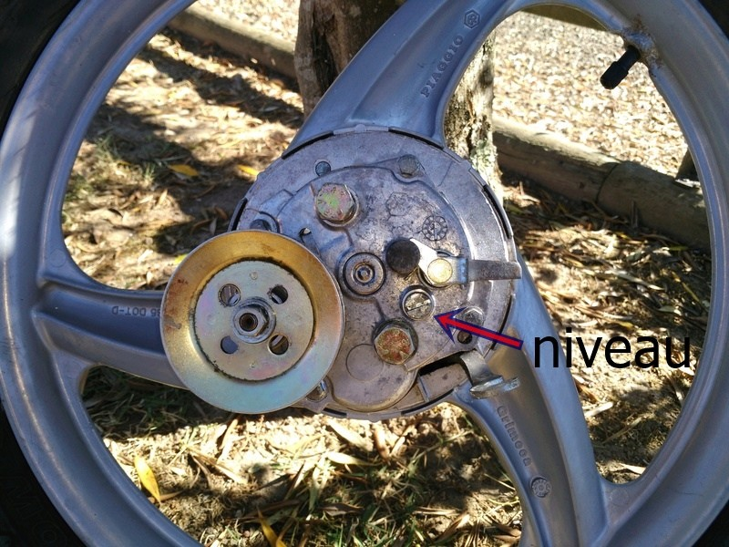 problème roue arrière Img_2010