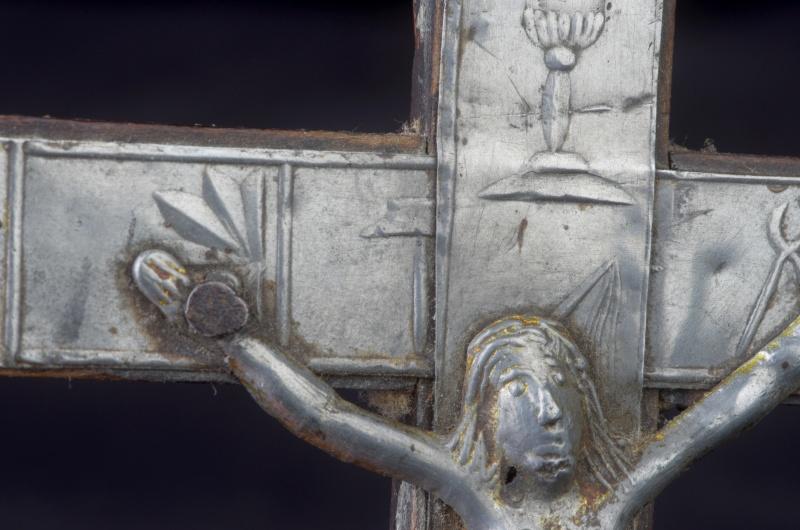 Joli crucifix artisanal sans doute - probablement XIXème Crux710