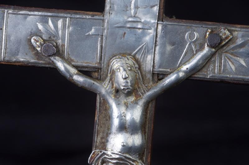 Joli crucifix artisanal sans doute - probablement XIXème Crux_210