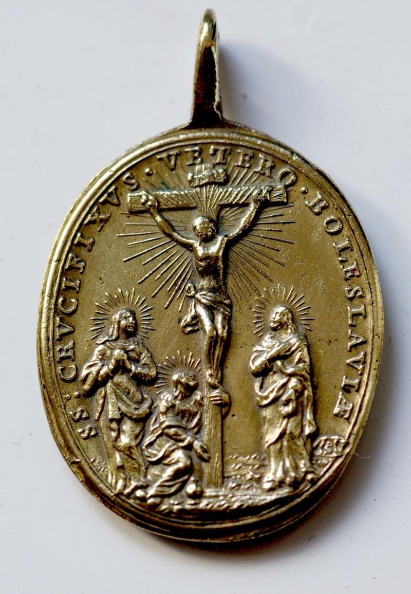 Médaille tchèque - XVIIème - St-Benoît & le St-Crucifix de Stara Boleslav M210