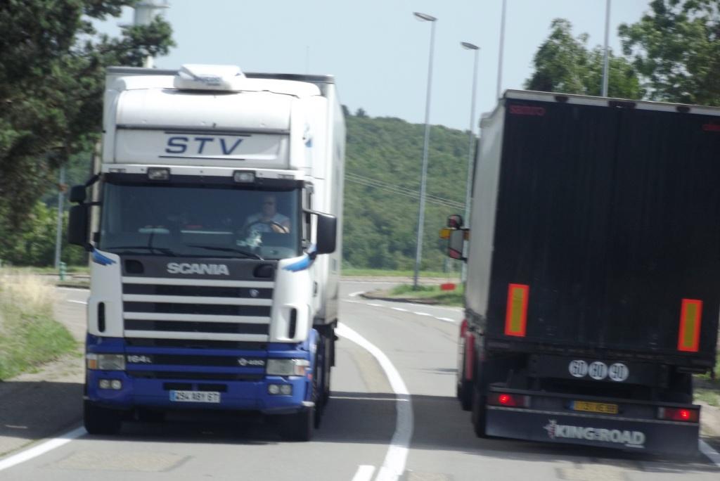 STV (Société des Transports Voltz)(Dettwiller, 67) - Page 5 Camion81