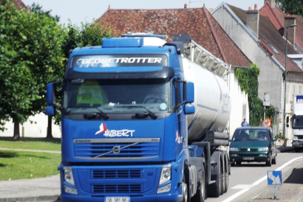 Hubert (Bonneval, 28) - Page 2 Camion82