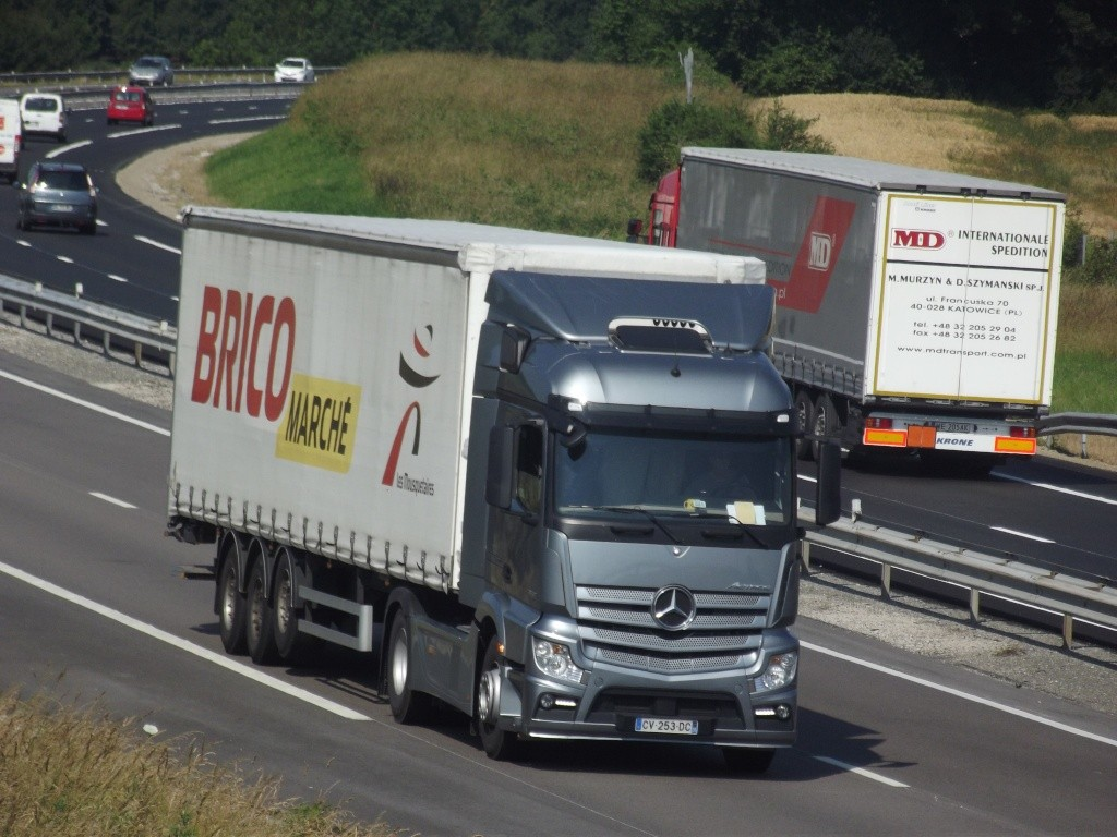Mercedes Actros MP4 (euro 6 )  - Page 4 Dscf9510