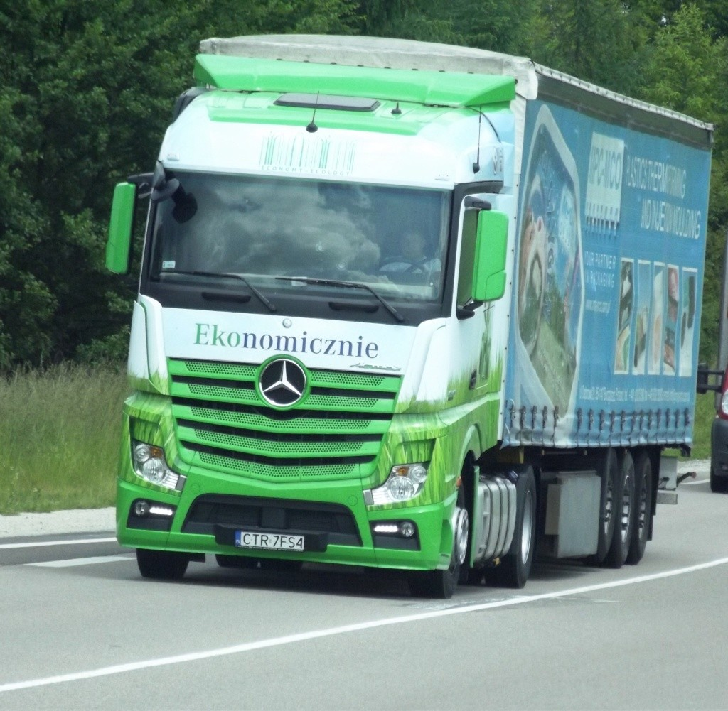 Mercedes Actros MP4 (euro 6 )  - Page 4 Phot1029