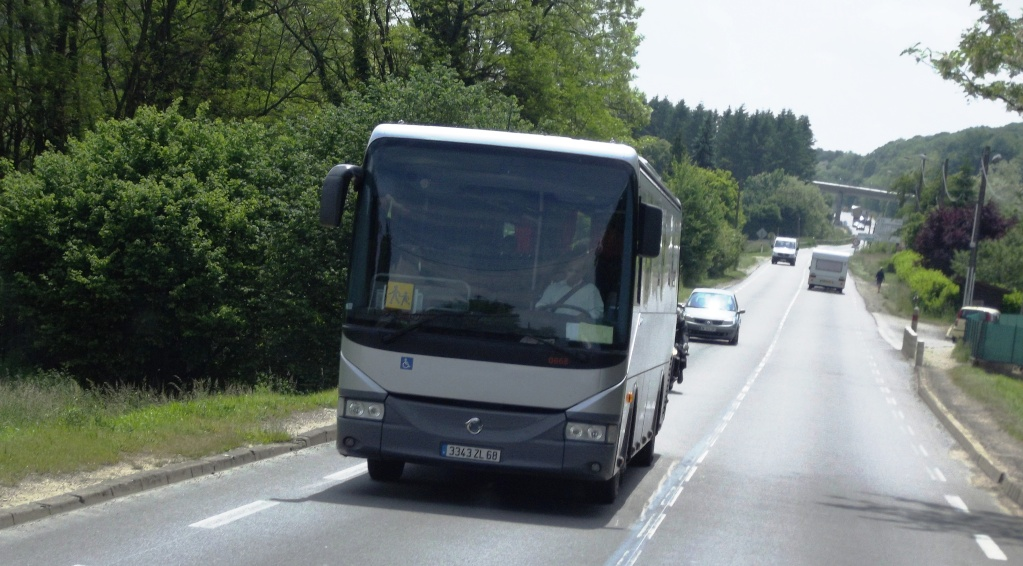 Irisbus (post uniquement pour les cars Irisbus sans inscriptions) Phot1032