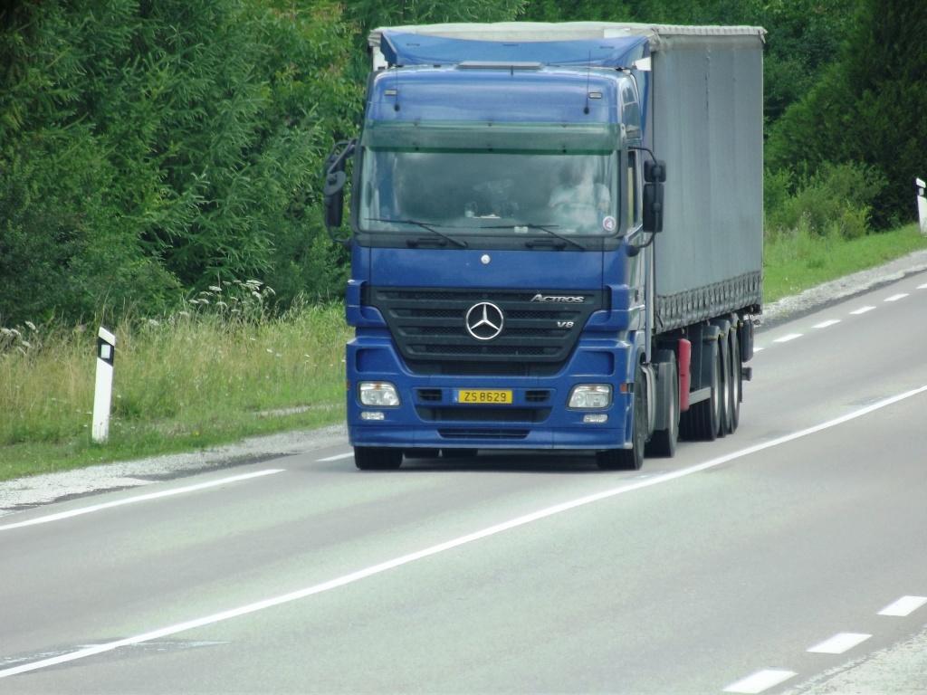 Mercedes Actros MP 1,2 et 3 - Page 3 Photo126