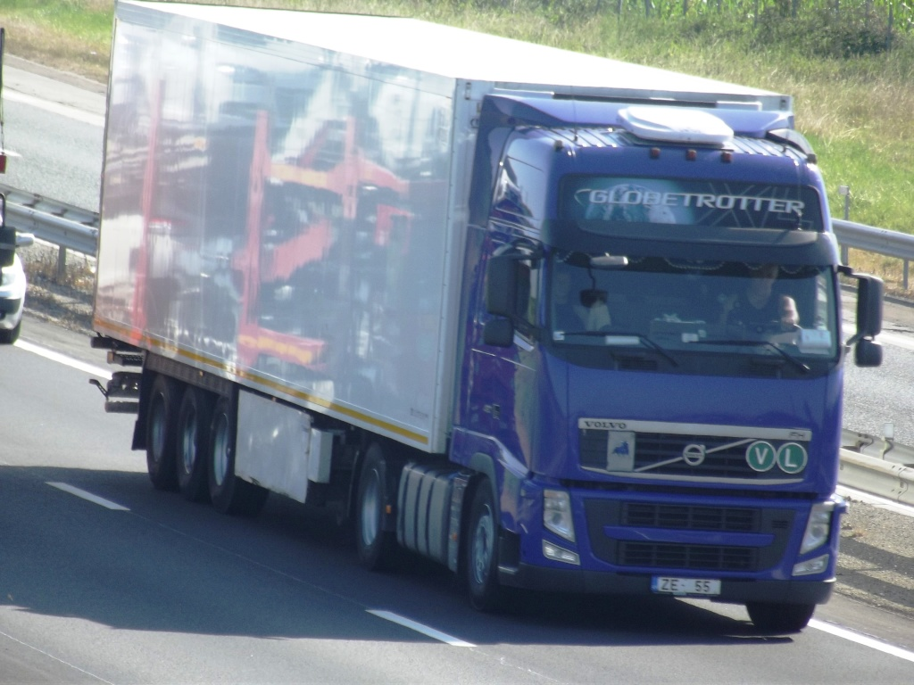 Volvo FH (euro 1,2,3,4 et 5) - Page 6 Photo_97
