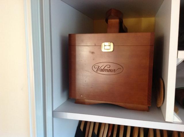 Photos de votre armoire spéciale rasage (ou de la partie réservée au rasage) - Page 16 Img_0610