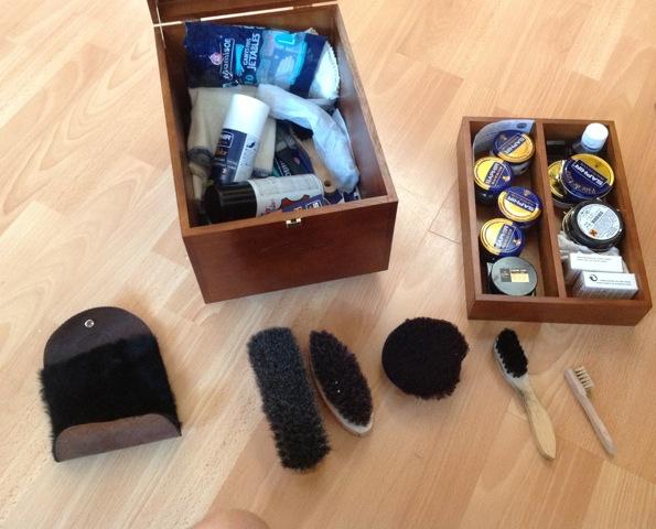 Photos de votre armoire spéciale rasage (ou de la partie réservée au rasage) - Page 16 Img_0613