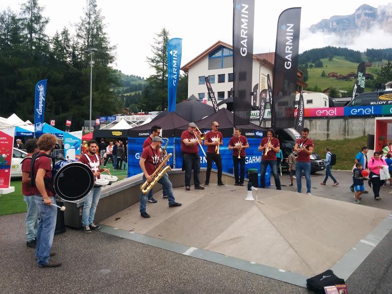 Doping musicale x la Maratona dles Dolomites Img_2015