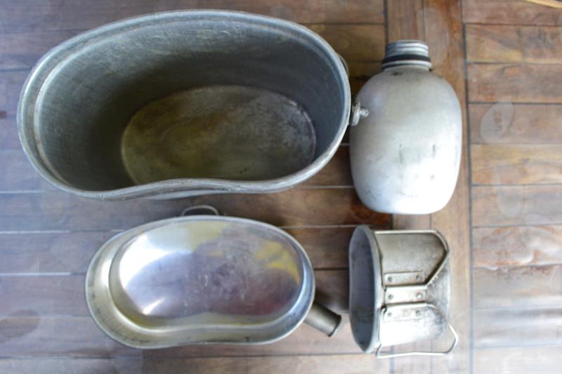Lot équipement INDOCHINE: bouthéon + gourde anglaise mod 1944 datée 1951 & quart daté 1950.- ESC 1 Dsc_0412