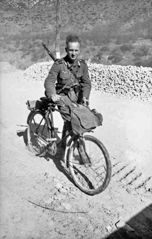 Les vélos de l'armée Allemande ww2 - Page 4 F10