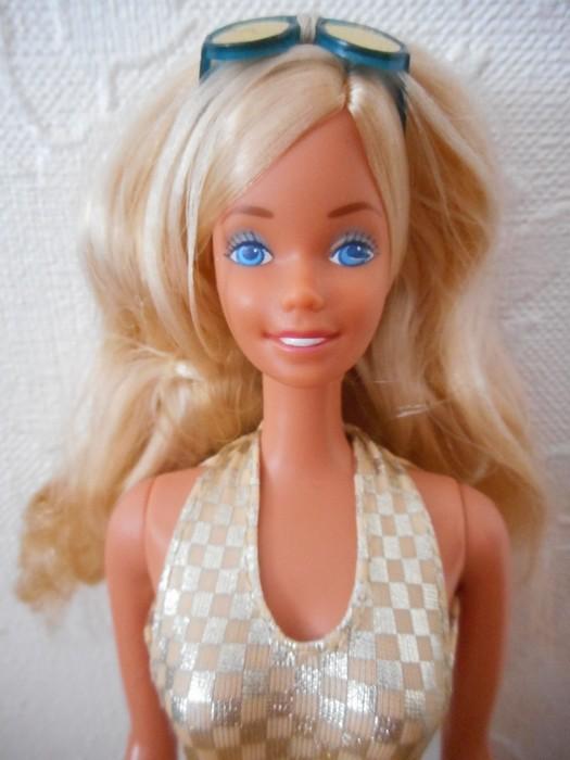 Ma collection de poupées Barbies - Page 15 Dscn2830