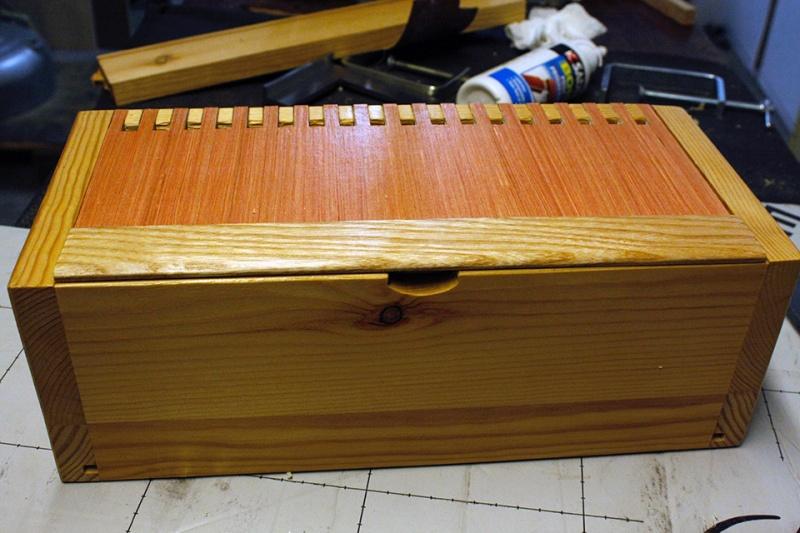 Boite avec « charnières bois » Compar11