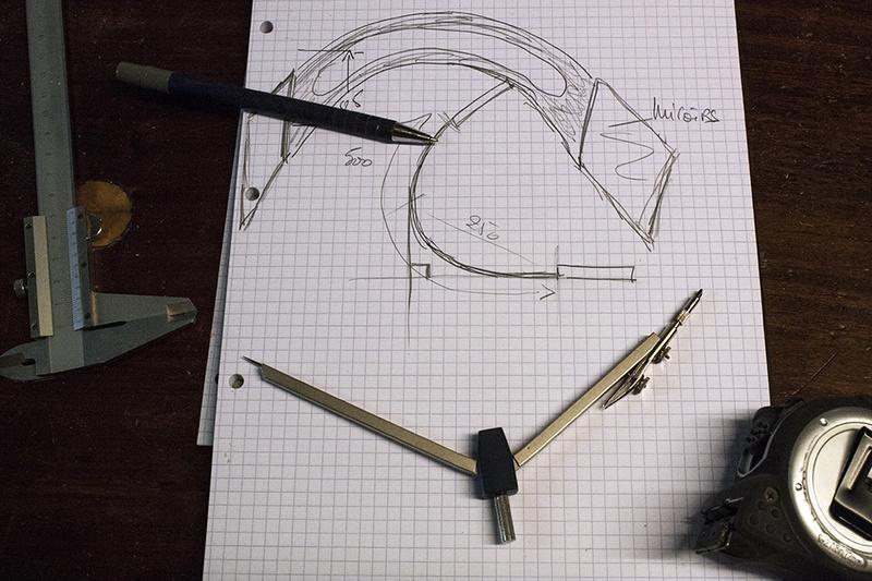 [Fabrication] Deux miroirs pour se regarder l'oreille  Croqui10