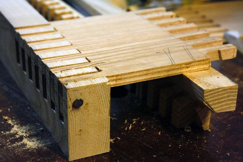 Boite avec « charnières bois » Essais15