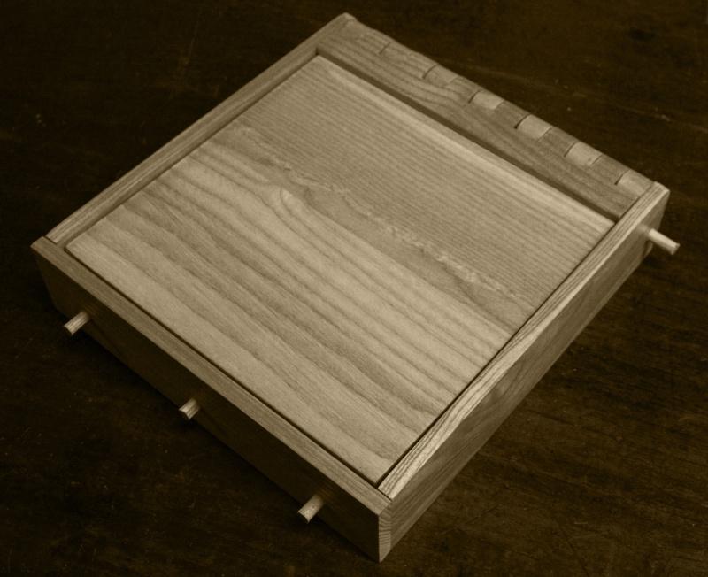 Boite avec « charnières bois » Touril11