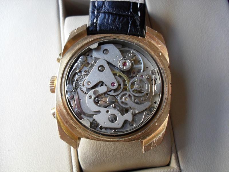 Breitling - [Ici TOPIC des demandes d'IDENTIFICATION et RENSEIGNEMENTS de vos montres] - Page 20 Sam_1011
