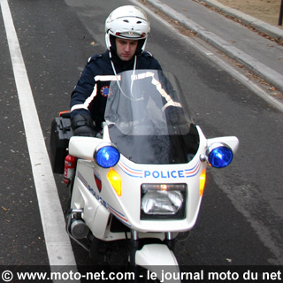Chasseur d'images. - Page 38 Motard10