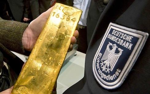 pour - Or : l'Allemagne rapatrie ses stocks ! Sans-t10
