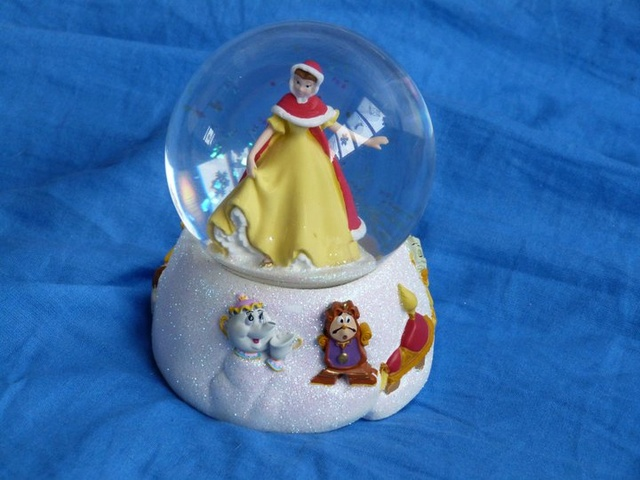 Les Snowglobes - Boules à neige Disney 16511911