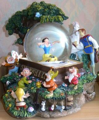 Les Snowglobes - Boules à neige Disney 55063610